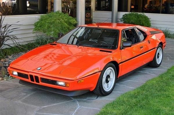 Битый BMW продали за 125 тысяч долларов США