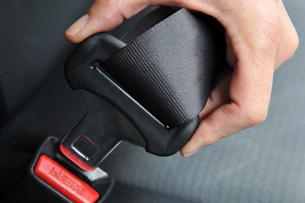 Ремни безопасности автомобиля