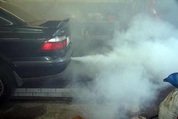 Причины белого дыма из глушителя