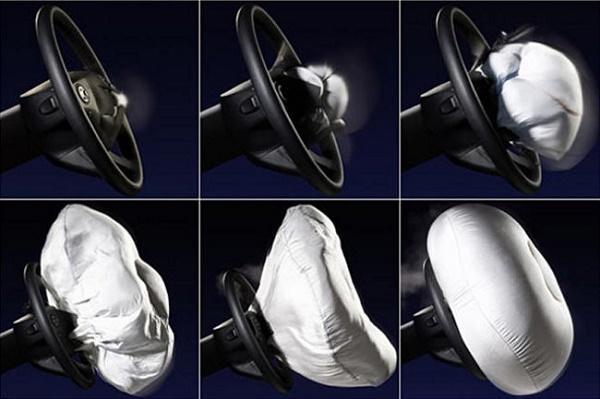 Как срабатывают подушки безопасности автомобиля?