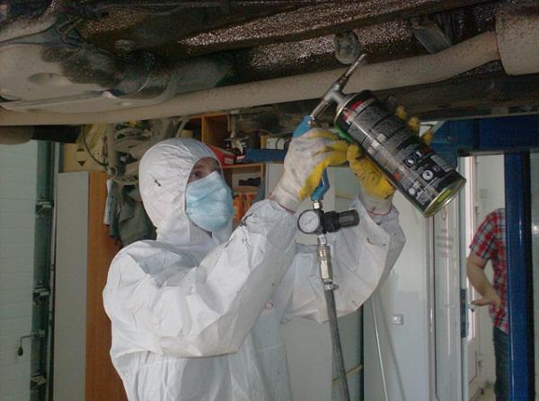 Покрытие днища автомобиля жидкой резиной
