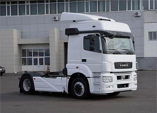 Продажи грузовиков в России за июнь выросли на 2%