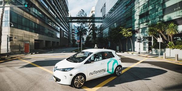 В Сингапуре под такси приспособили беспилотные электрокары