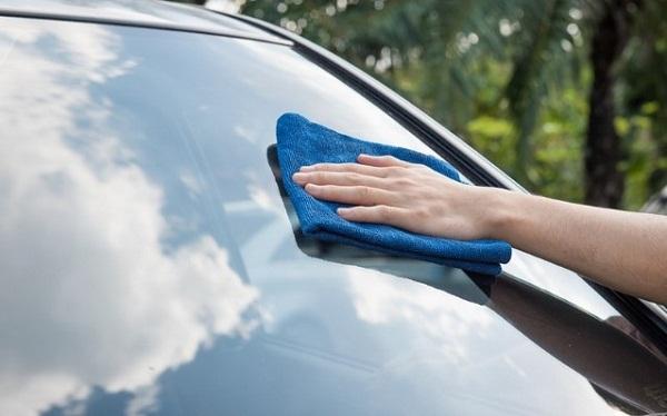 Как защитить автостекло от повреждения