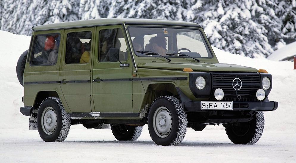 3Mercedes-Benz 280 GE LWB (W460) '1979–90.jpg